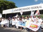 Servidores da UFBA entram em greve e fecham portões contra PEC 241