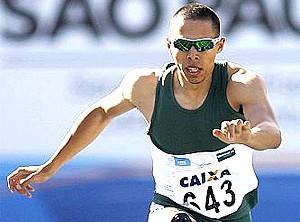 Mahau Suguimati dos 400m com barreiras GP Brasil de Atletismo (Foto: Wagner Carmo / Cbat)
