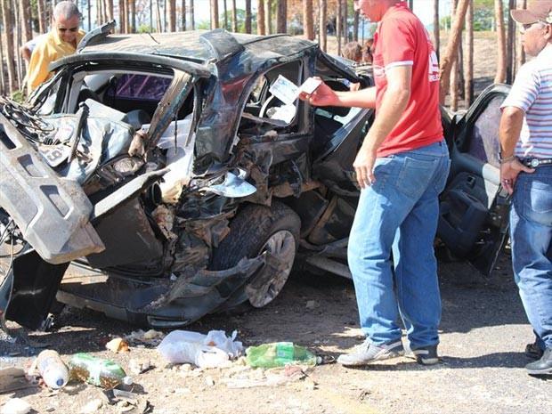 Vítimas sofreram ferimentos leves e foram encaminhadas para hospital da região (Foto: Sessé Guimmas/Site Medeiros Dia a Dia)