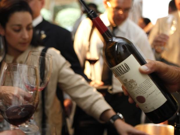 Garrafa de Brunello servida a profissionais do vinho no Museu da Casa Brasileira durante a primeira Winelounge (Foto: Divulgação)
