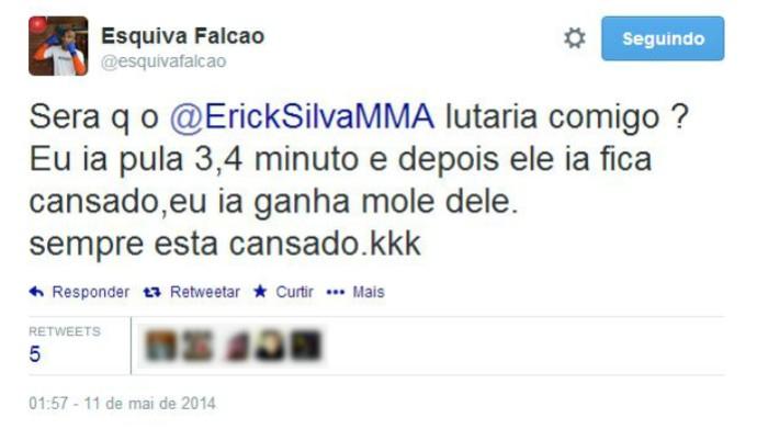 Esquiva Falcão corneta Erick Silva, após derrota (Foto: Reprodução/Twitter)