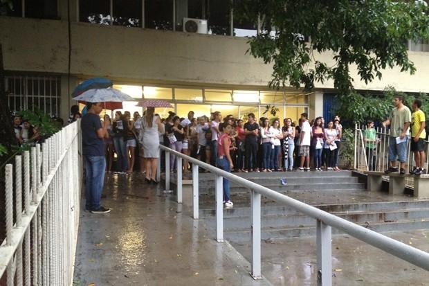 Segundo dia da segunda etapa da UFG registrou abstenção de 9,25% - Goiás (Foto: Gabriela Lima/G1)