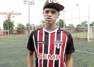 Danilo Gomes faz parte da base do São Paulo há doia anos  (Foto: Reprodução/TV Anhanguera)