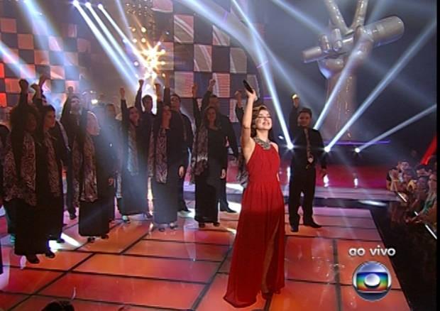 """Liah emocionou a plateia e os técnicos ao apresentar sua versão para """"Tente outra vez"""", de Raul Seixas.  (Foto: Reprodução/Rede Globo)"""