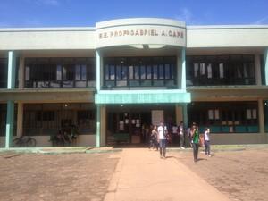 Escola não tem professor de Física e Filosofia (Foto: Maiara Pires/G1)