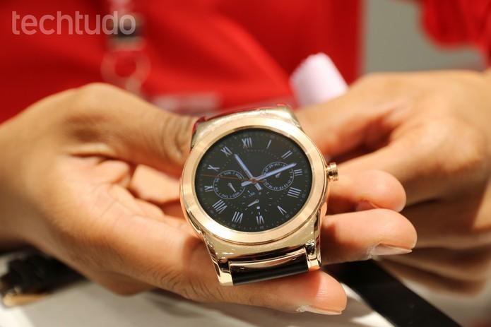 Relógio da LG tem visual premium, com belo acabamento (Foto: Isadora Diaz/TechTudo) (Foto: Relógio da LG tem visual premium, com belo acabamento (Foto: Isadora Diaz/TechTudo))