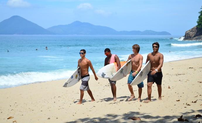 Surfistas Ubatuba (Foto: Danilo Sardinha/GloboEsporte.com)