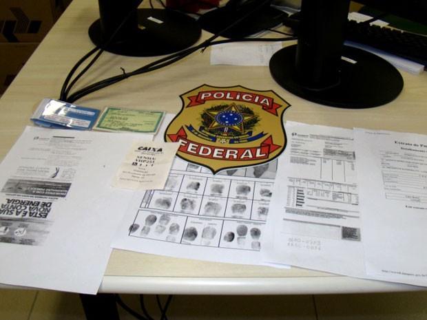 Documentos do pintor foram apreendidos pela PF (Foto: Divulgação/PF)