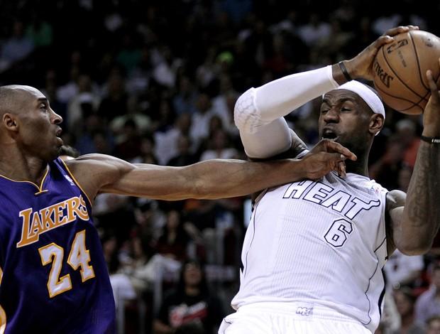 basquete nba LeBron James mimi heat e Kobe Bryant los angeles lakers (Foto: Agência Reuters)