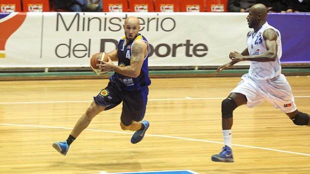 Andre Laws São José Basquete x Bucaros (Foto: Samuel Velez/ Divulgação Fiba)