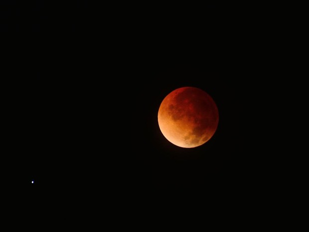 """Juscelino Reis registrou de Teresina imagens do eclipse lunar conhecido como """"Lua de sangue"""" (Foto: Juscelino Reis)"""