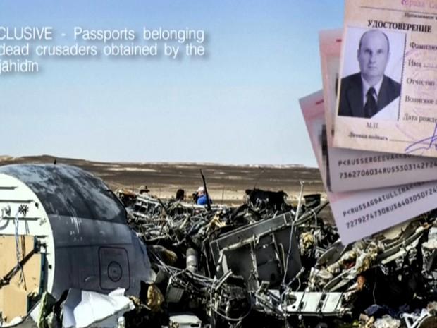 Estado Islâmico também divulgou uma foto de passaportes que afirma ser de russos mortos na queda do avião (Foto: Reuters)