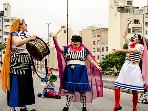 Todas as músicas da apresentação são voltadas para o público feminino (Foto: divulgação/Arô Ribeiro)