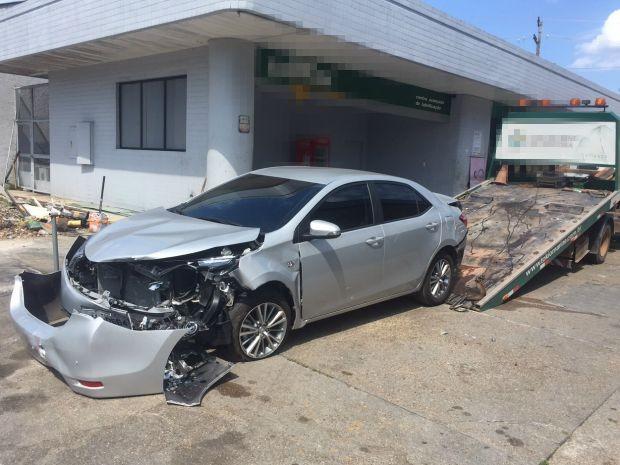 Segundo irmão de motorista do Corolla, ela seguia no sentido Centro-Bairro quando foi atingida por outro carro (Foto: Diego Toledano/G1 AM)