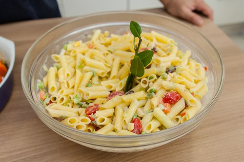 Salada de Macarrão com Legumes