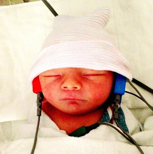A primeira foto do bebê de Fergie com Josh Duhamel (Foto: Instagram)