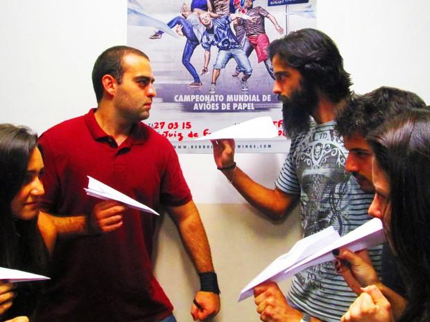competição de avião de papel redbull juiz de fora  (Foto: UFJF/Divulgação )