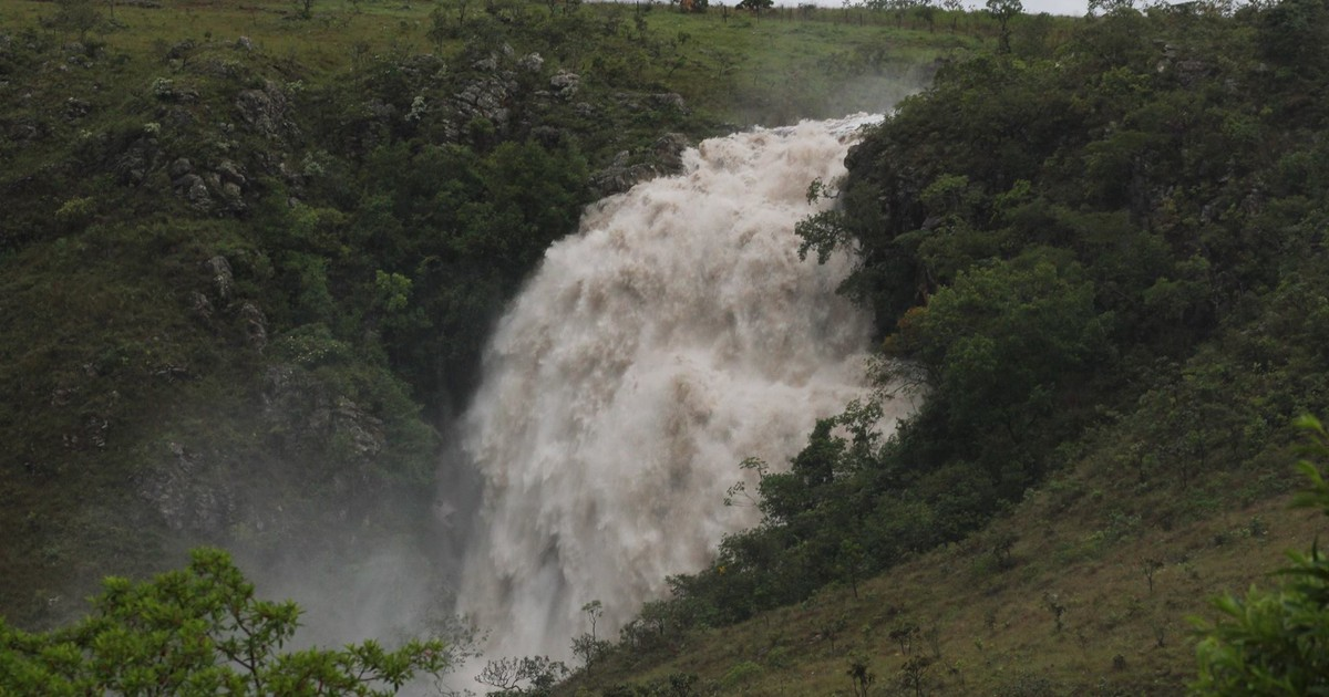 Em MG, internauta registra fenômeno em cachoeira na Serra da ... - Globo.com