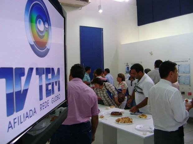 Representantes das cidades participaram de um café da tarde após apresentação do projeto (Foto: Alan Schneider / G1 Bauru e Marília)