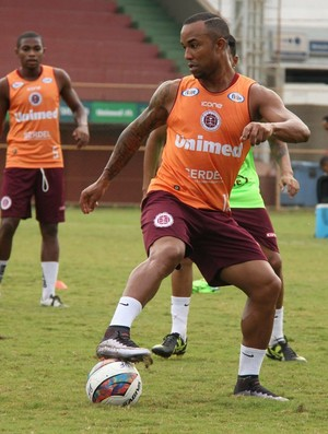 Edinho, atacante da Desportiva Ferroviária (Foto: Henrique Montovanelli/Desportiva Ferroviária)