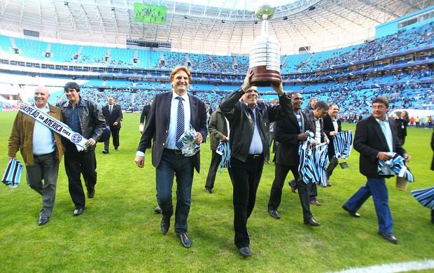 grêmio cesar libertadores 1983 30 anos especial arena taça mazaropi baidek (Foto: Lucas Uebel/Grêmio FBPA)