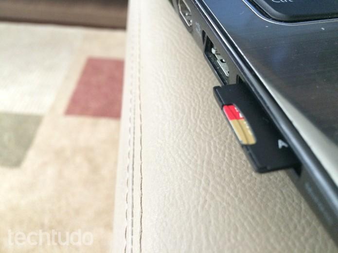 Insira o cartão SD da GoPro no seu computador  (Foto: Juliana Pixinine/TechTudo)