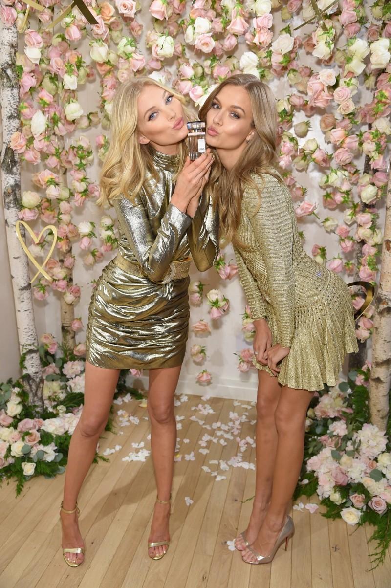 Elsa Hosk e Josephine Skriver surgem belíssimas na campanha do perfume Love (Foto: Divulgação)