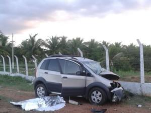 Carro da vítima levava mais duas pessoas. (Foto: Divulgação/ Polícia Civil)