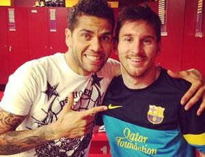 Daniel Alves e Messi Barcelona (Foto: Divulgação)