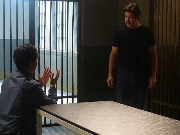 Murphy faz de tudo para animar seu 'boss', mas a situação não está fácil (Foto: Geração Brasil/TV Globo)