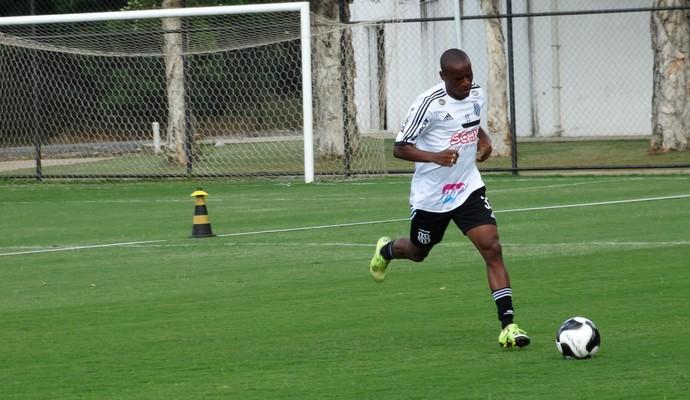 Jeferson, lateral-direito Ponte Preta (Foto: Guilherme Dorigatti/ PontePress)