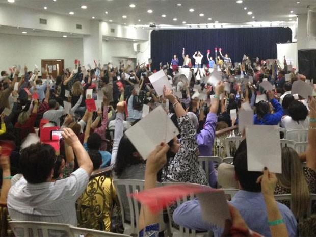 Assembleia dos bancarios do setor privado de São Paulo, que nesta segunda-feira decidiu encerrar a greve (Foto: Reprodução Sindicato dos Bancários de São Paulo, Osasco e região/Twitter)