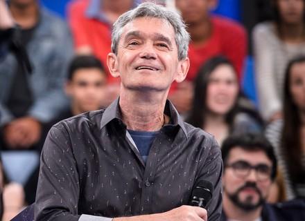 Serginho Groisman se emociona com homenagem pelo Dia dos Pais