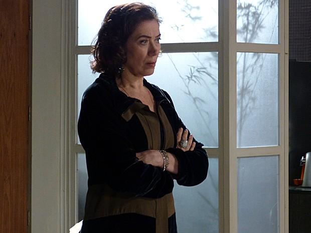 Marta insinua que Zé vai falsificar o exame de DNA (Foto: Tv Globo)
