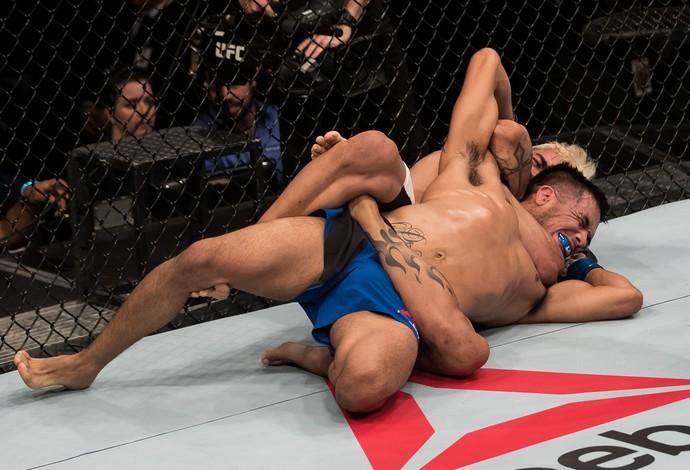 Godofredo Pepey Mike De La Torre UFC Brasília (Foto: Getty Images)