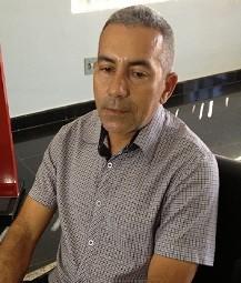 Jurandir Evangelista do Carmo, avó da criança, diz que tratamento do neto foi negligente (Foto: Elisangela Farias/G1)