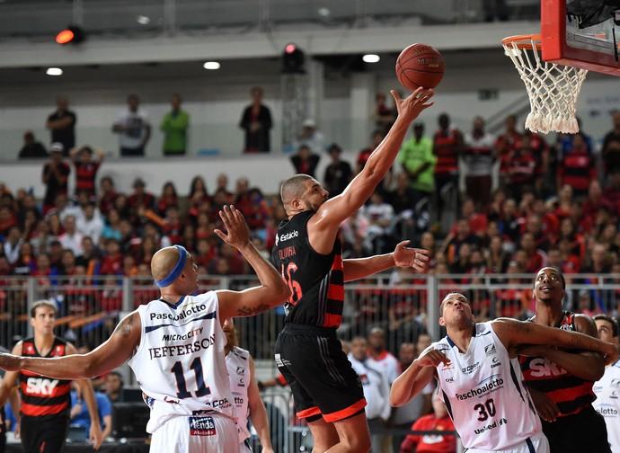 Olivinha Flamengo x Bauru final NBB jogo 5 (Foto: André Durão)