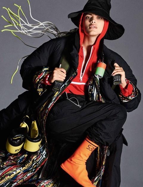 Valentina Sampaio estampa a capa deste mês da Vogue alemã (Foto: Reprodução)