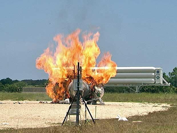 Protótipo Morpheus falhou, pegou fogo e explodiu logo após decolar. (Foto: Nasa / Reuters)