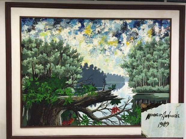 Quadro e presente de Moacir Andrade decora sala na Rede Amazônica, em Manaus; detalhe mostra ano de produção (Foto: G1 AM)
