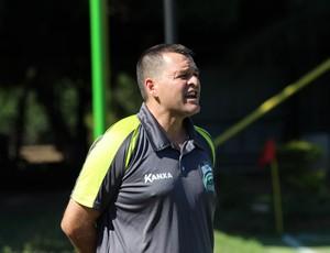 Treinador Leandro Niehues do Luverdense (Foto: Olimpio Vasconcellos)