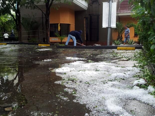 Chuva em Piracicaba (Foto: Leandro Cardoso/G1)