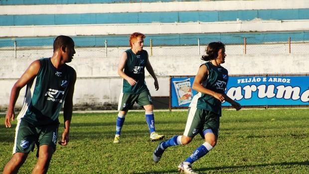 Léo Cruz, Rafael Almeida e Foguinho Taubaté (Foto: Arthur Costa/ Globoesporte.com)
