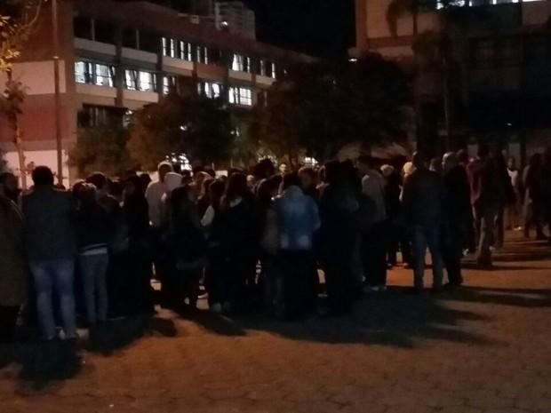 Alunos da UMC voltaram às aulas depois do acidente na Mogi-Bertioga (Foto: Maiara Barbosa/G1)