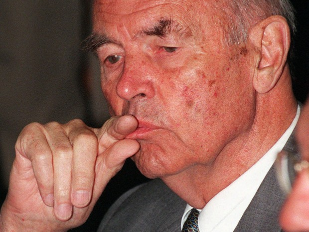 Erich Priebke em foto feita durante julgamento em 1996 (Foto: Giulio Broglio/AP)