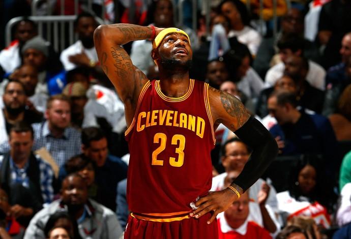 A bandana é uma das marcas registradas de LeBron James (Foto: Getty Images)