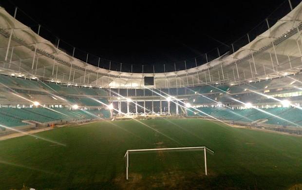 Arena Fonte Nova iluminada à noite em 25/02/2013 (Foto: Natalia Arjones / Divulgação / Arena Fonte Nova)