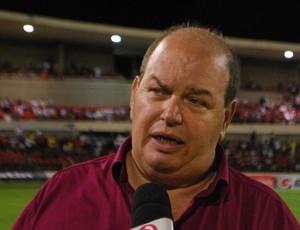 Ednilton Lins, diretor de futebol do CRB (Foto: Henrique Pereira/ Globoesporte.com)