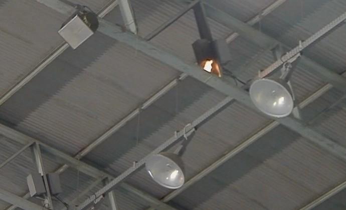 ginásio Abaeté iluminação incêndio (Foto: Reprodução/ SporTV)