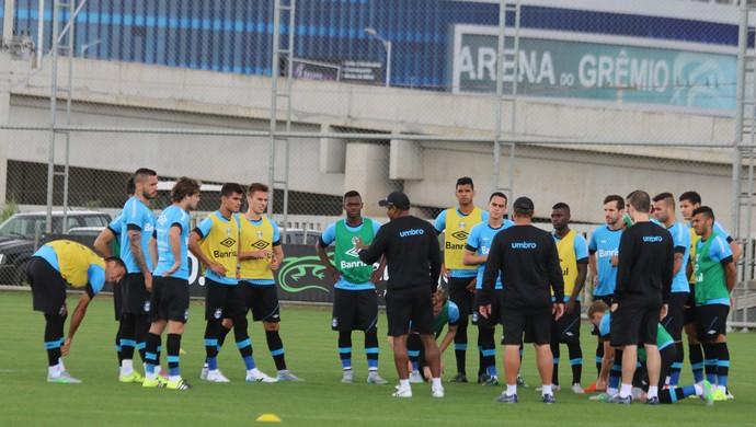 Roger Machado grupo do Grêmio (Foto: Eduardo Moura/GloboEsporte.com)